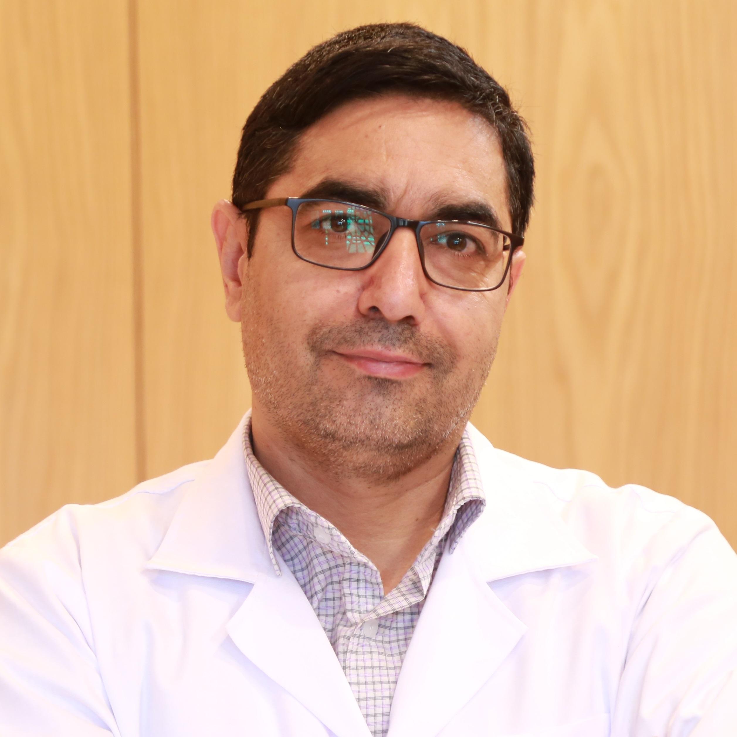دکتر حسین طاهری